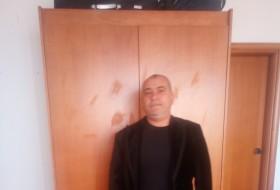 Kiriakos Valen, 46 - Just Me