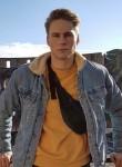 Marius, 24  , Berlin