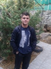Oleg, 25, Russia, Yalta