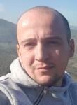 Tobias, 31  , Langen (Lower Saxony)