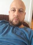 Adnan, 31  , Tuzla