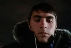 Azizbek, 21 - Just Me