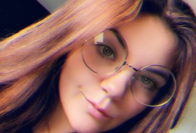 Ashley, 20 - Just Me