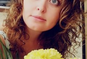 Elena, 37 - Just Me