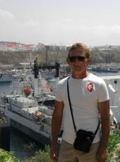 VIKTOR, 53, Russia, Yalta