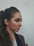 Yuliya, 28, Yekaterinburg