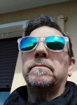 Daniele, 58  , Milano