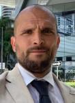 Robert, 42, Los Angeles