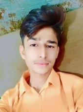 JAAN, 20, Pakistan, Karachi