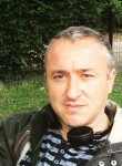 azzoug, 51  , Bordeaux
