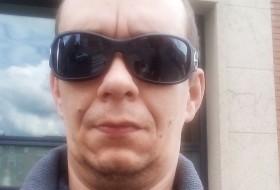Cedric, 39 - Just Me
