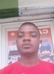 Roland , 19  , Nouakchott