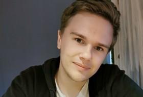 Vlad , 20 - Just Me