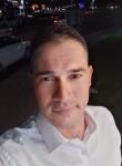 تامر محمود , 35  , Ajman