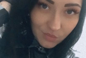 Marina, 29 - Just Me