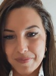 Sofia, 31  , Mengibar