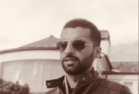 Ahmad, 31 - Just Me