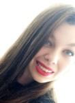 Elsa, 22  , Lorient