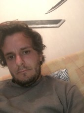 Lucas, 25, France, Loches