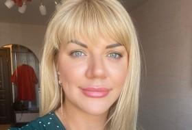 Yanina, 42 - Just Me