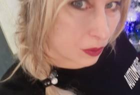 Alla, 43 - Just Me