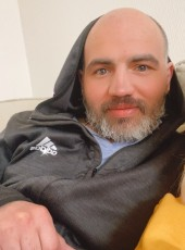 Irakli, 35, Georgia, Tbilisi