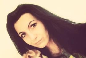 Marina, 23 - Just Me