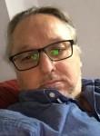 lorenzo, 49  , Poissy