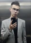 Maksim, 19, Moscow