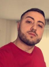 Julien, 25, France, Echirolles