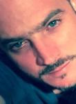 Manu, 41  , Andresy