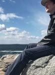 Alex, 19  , Halifax