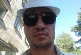 Aleksei , 36 - Just Me