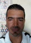 Mouaz, 43  , Midoun