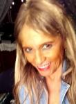 Marcela, 40  , Santiago
