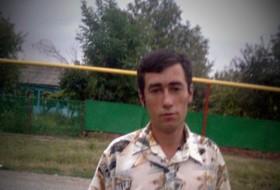 Dima Zhidkov, 37 - Just Me