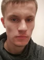 Nicolas, 22, France, Lorient