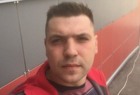 Andrey, 31 - Just Me