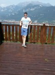 Victor, 30  , Bergamo