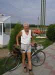 Aleksandr, 70  , Bender