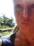 Emmanuella, 34  , Charleroi