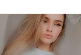 Kseniya, 18 - Just Me