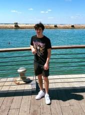 דביר, 20, Israel, Qiryat Bialik