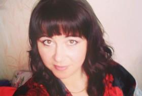 Nika, 32 - Just Me