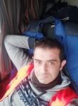 Alper, 37  , Poitiers