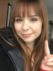 Carolina, 26, France, Paris