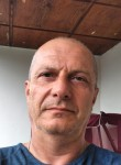 Kakha, 55  , Zestap oni