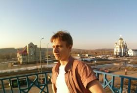 Efim, 20 - Just Me