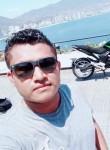 Luis, 25  , Acapulco de Juarez