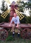 Oleg Kolenov, 36  , Gorodets